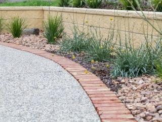Retaining Wall, Raised Garden Bed, Landscapers, Landscaping Designs, Brick Edging, Concrete, Encounter Bay, Victor Harbor, Fleurieu