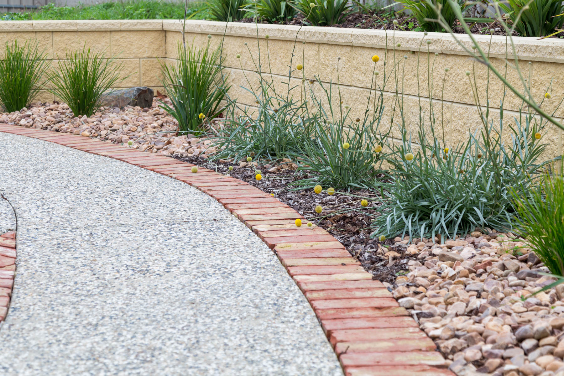 Retaining Wall, Raised Garden Bed, Landscapers, Landscaping Designs, Brick Edging, Concrete, Encounter Bay, Victor Harbor, Fleurieu