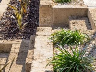 Retaining Wall, Raised Garden Bed, Steps, Block Wall, Landscaping, Landscapers, Landscaping Designs, Irrigation, Garden Designs, Port Noarlunga