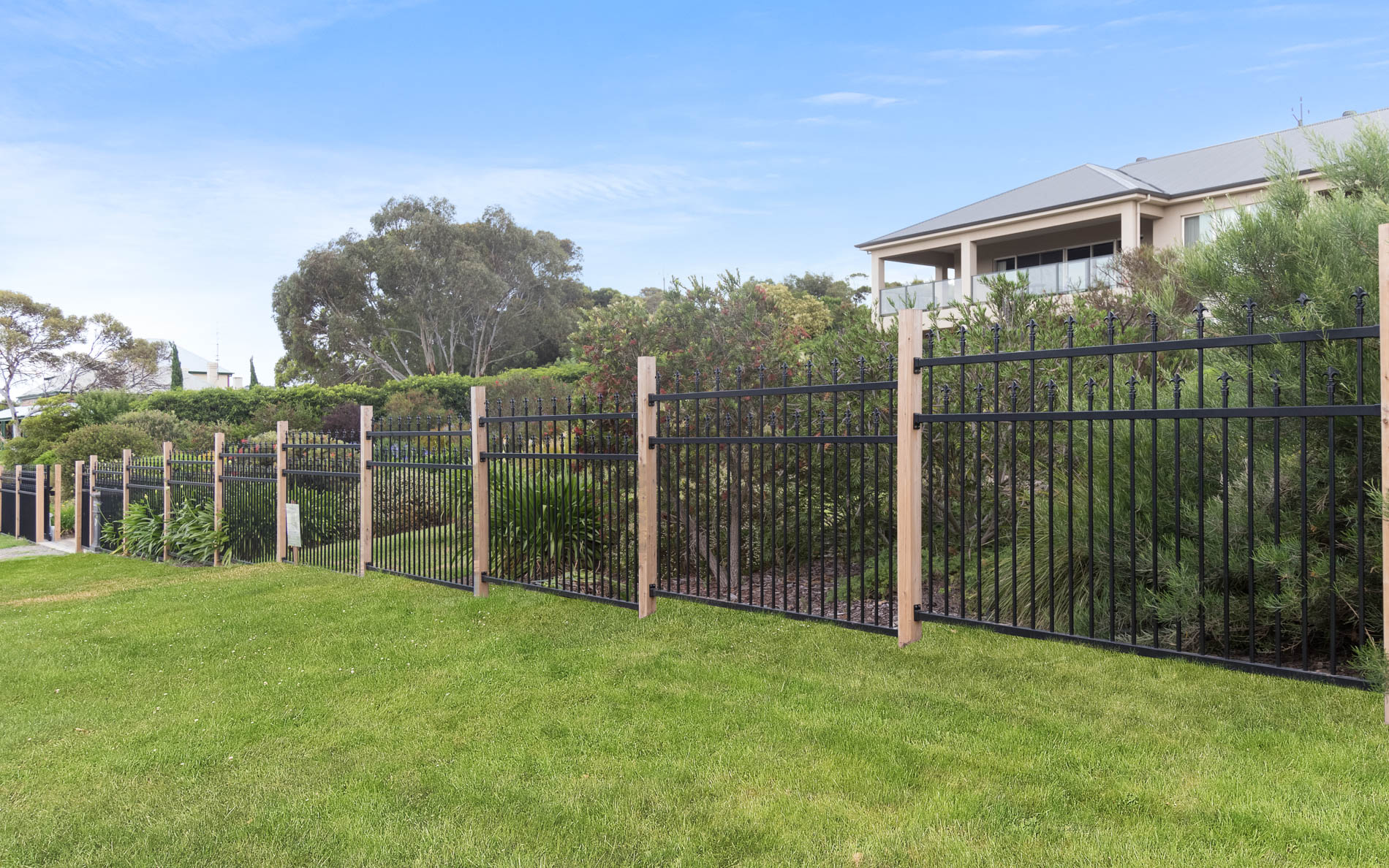 Fencing Contractors, Fencing, Fences, Landscaping, Landscapers, Spear Fencing, Motorised Gates, Fleurieu