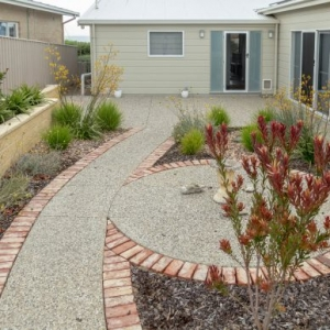 Retaining Wall, Raised Garden Bed, Concrete path, Brick Edging, Landscapers, Landscaping Designs, Landscaping Contractors, Paving Contractors, Fleurieu
